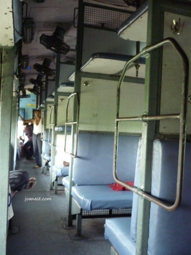 Sleeper Train di India
