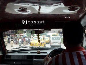 pemandangan dari dalam Taxi Kolkata