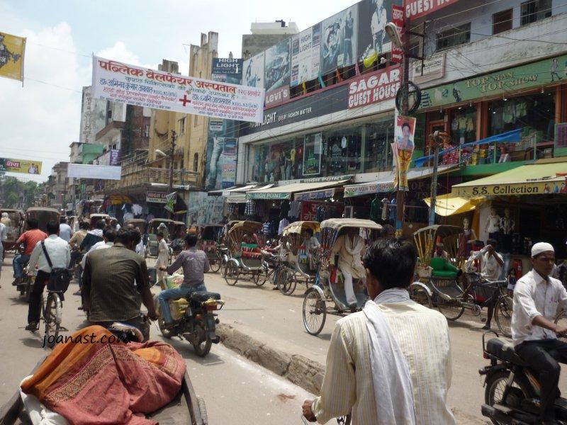 salah satu jalan di Varanasi