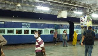 Kereta Sleeper di India